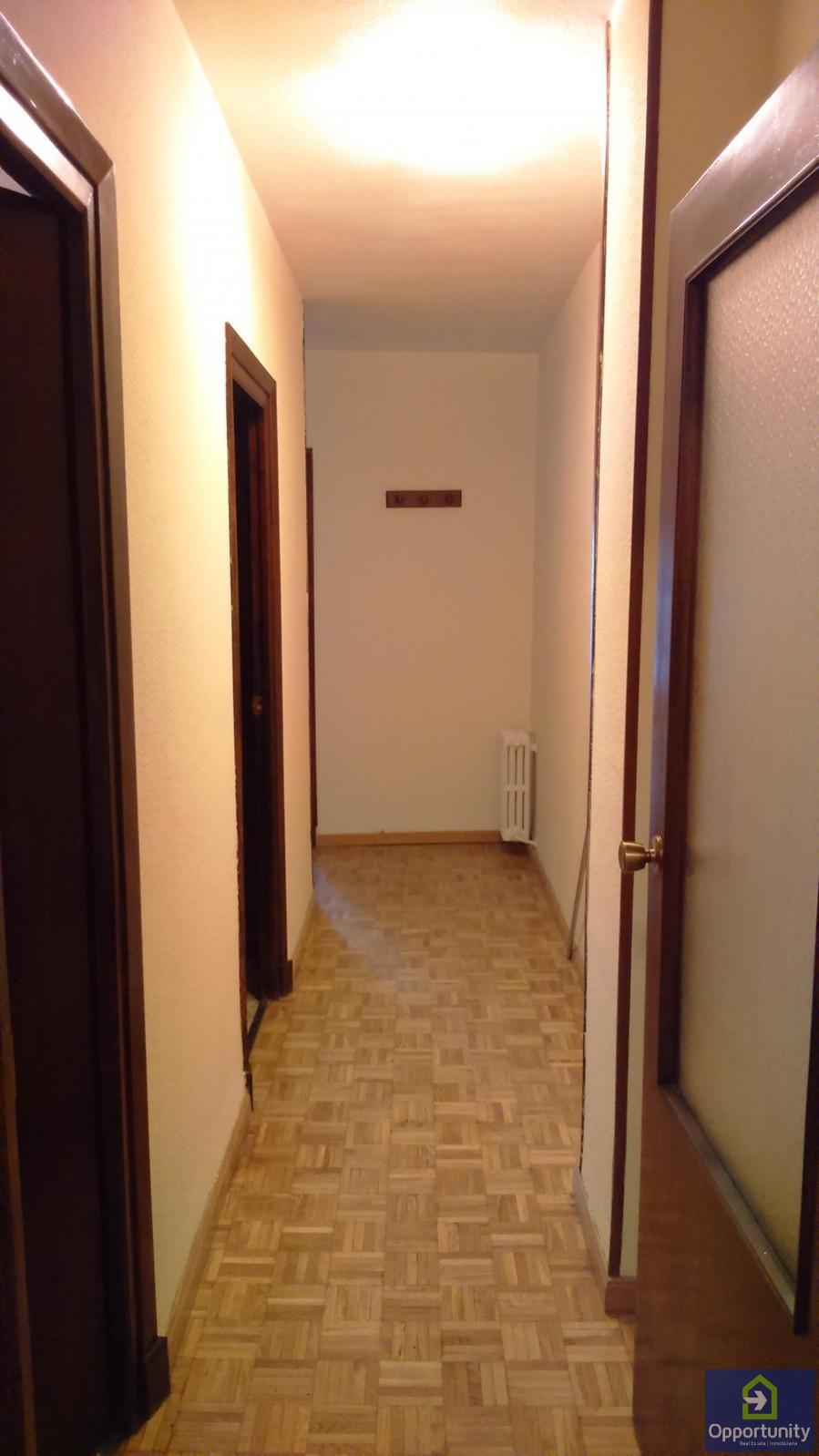 Piso en alquiler en centro sagrario granada 750 mes for Alquiler pisos granada centro