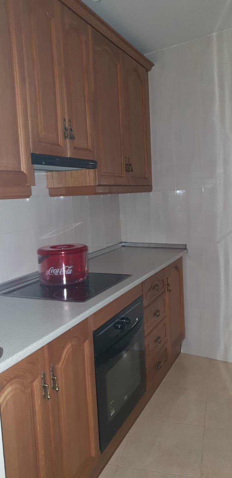 Apartamento en alquiler en Centro-Sagrario (Granada), 500 €/mes (Temporada)