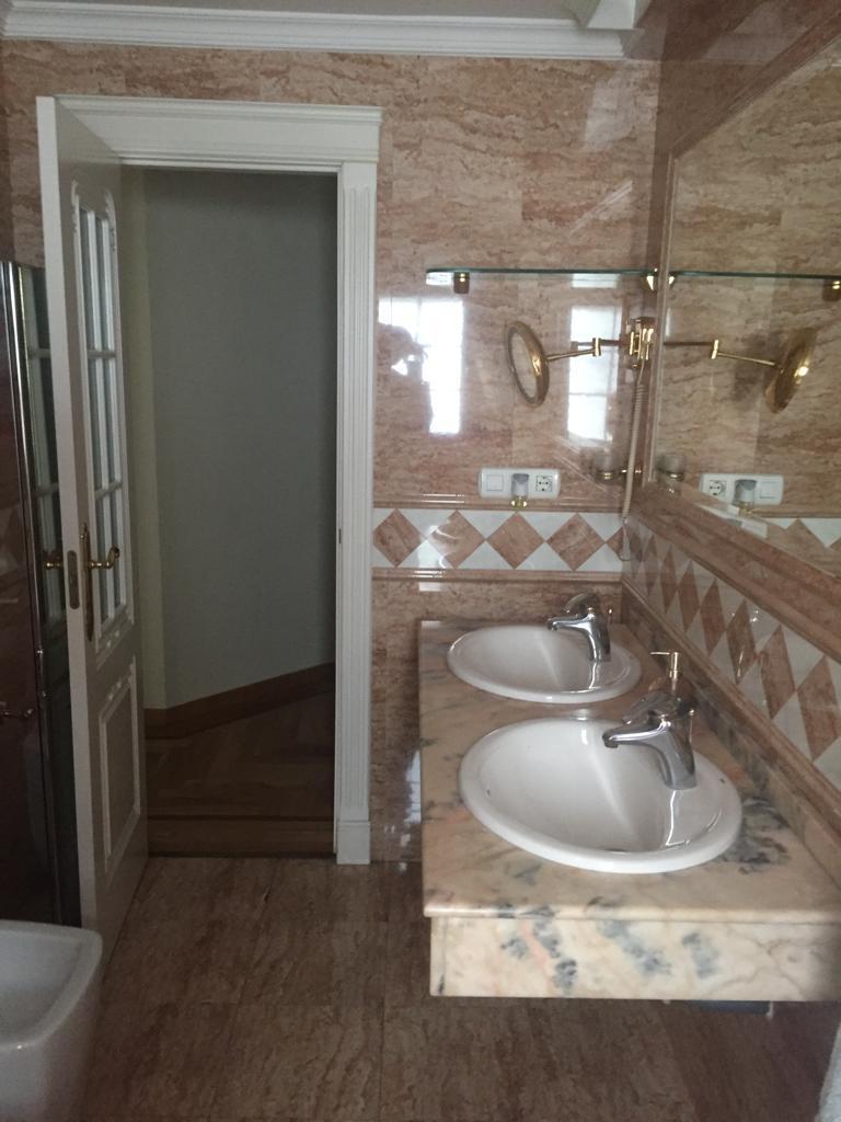 Piso en alquiler en Centro (Granada), 950 €/mes (Temporada)