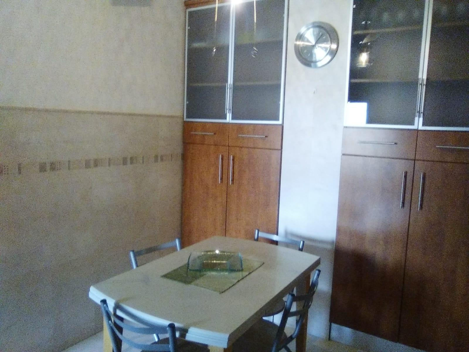 Flat for rent in Plaza de Toros-Doctores-San Lázaro (Granada), 950 €/month