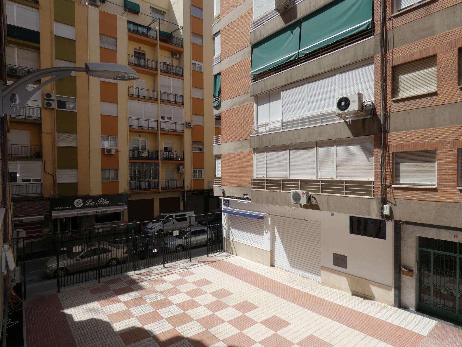 Flat for rent in Camino de Ronda (Granada), 850 €/month (Season, Students)